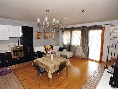 Appartamento in affitto in Via ciardi a Roana (frazione)