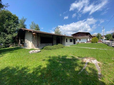 Villa in vendita in Via EST a Canove di Roana