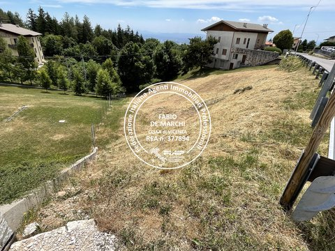 Terreno edificabile in vendita a Lusiana Conco