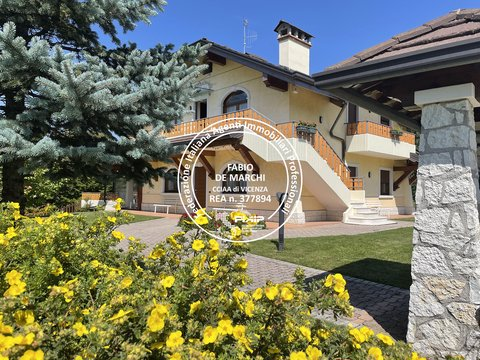 Villa in vendita a Cesuna di Roana